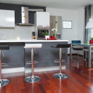 kitchen-design-delicate-classical-model-600x600